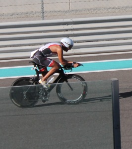 the YAS Island tarmac makes you go so faaasst, I am surprised I made the pic.